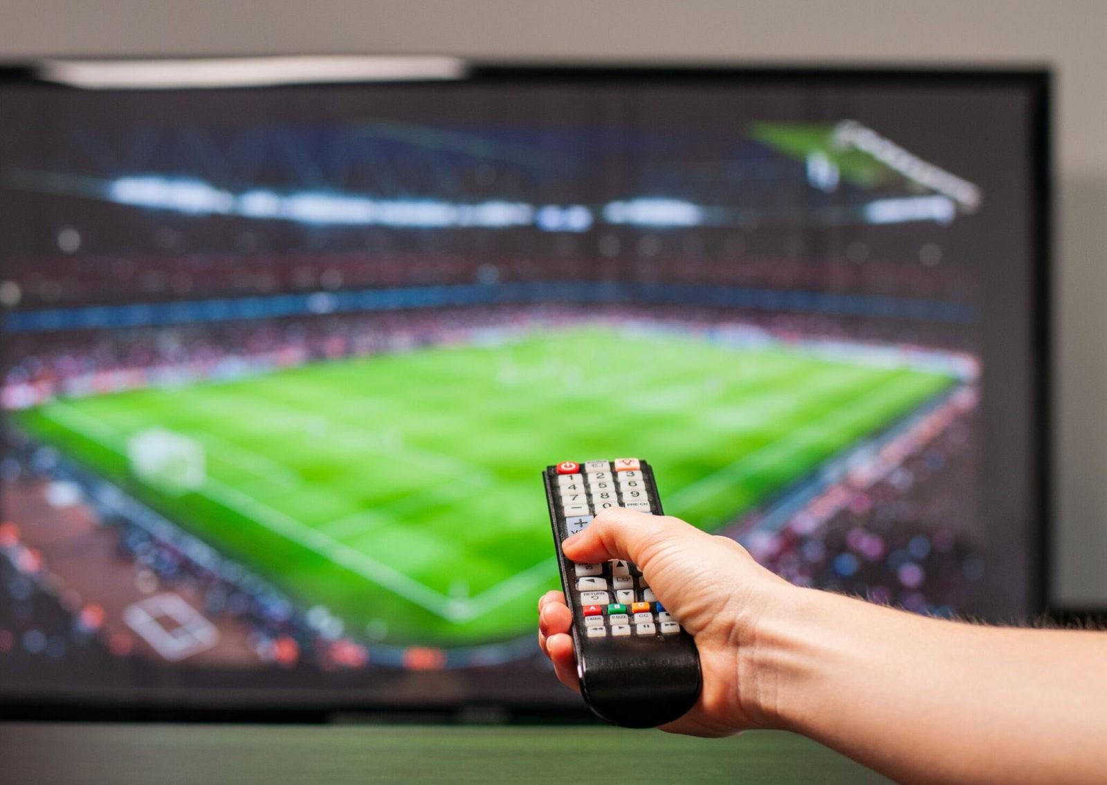ROMÂNII NU MAI URMĂRESC MECIURILE DE FOTBAL LA TV